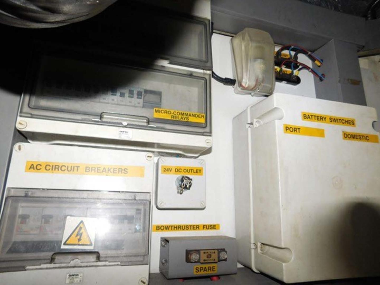 Sunseeker-Predator 2001-Cheryl Lynn Stuart-Florida-United States-Electrical-1120369 | Thumbnail