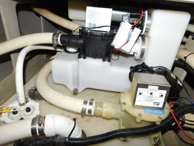 Sunseeker-Predator 2001-Cheryl Lynn Stuart-Florida-United States-New Head Pumps and System-1120370 | Thumbnail