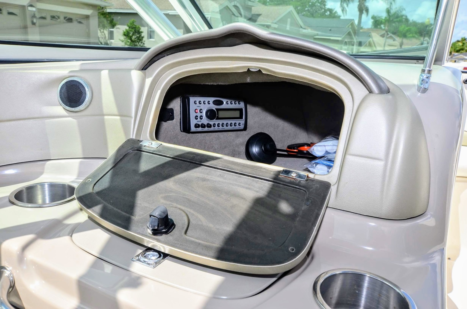 Glove box with Stereo
