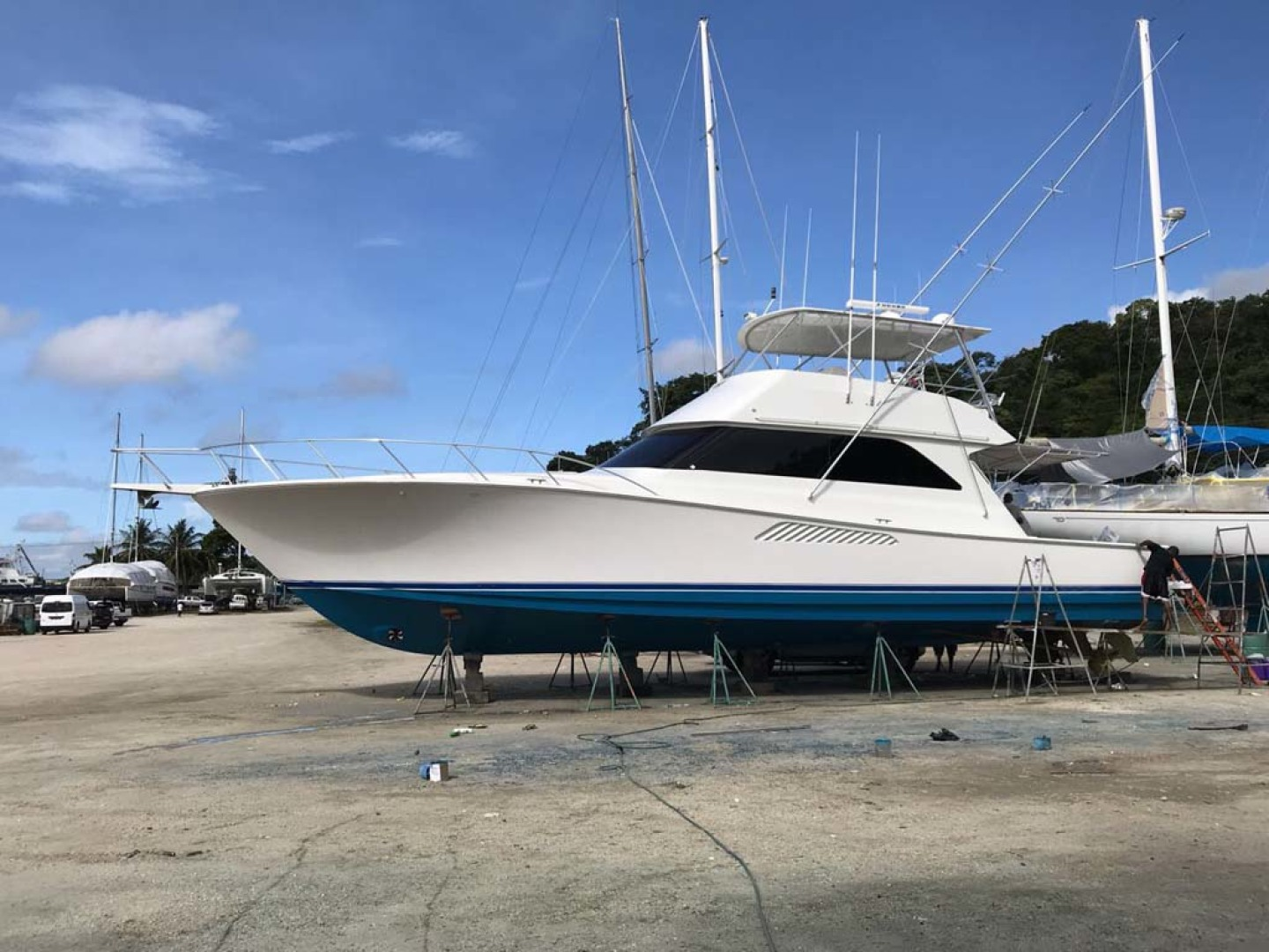 Picture Of: 55' Viking 55 Convertible 2004 Yacht For Sale | 2 of 63