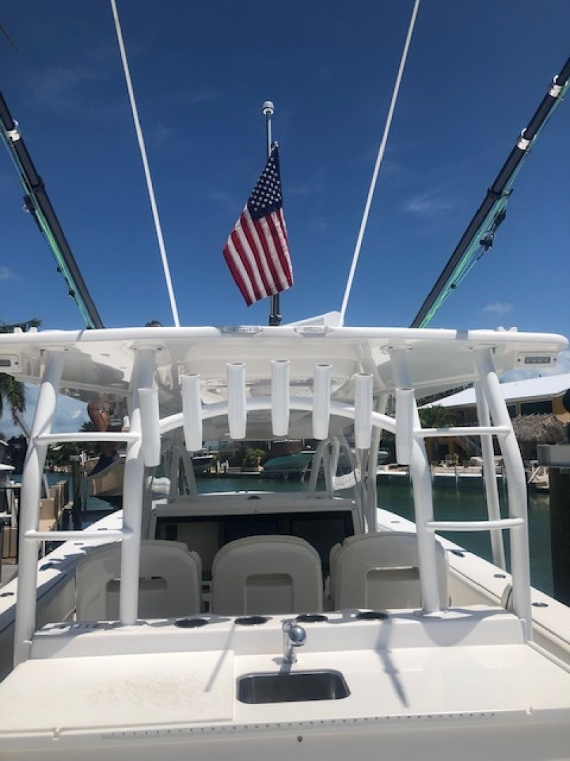 SeaHunter-45 Center Console 2016-No Name Bal Harbour-Florida-United States-2016 Sea Hunter 45 Center Console  Rod holders-1469667   Thumbnail