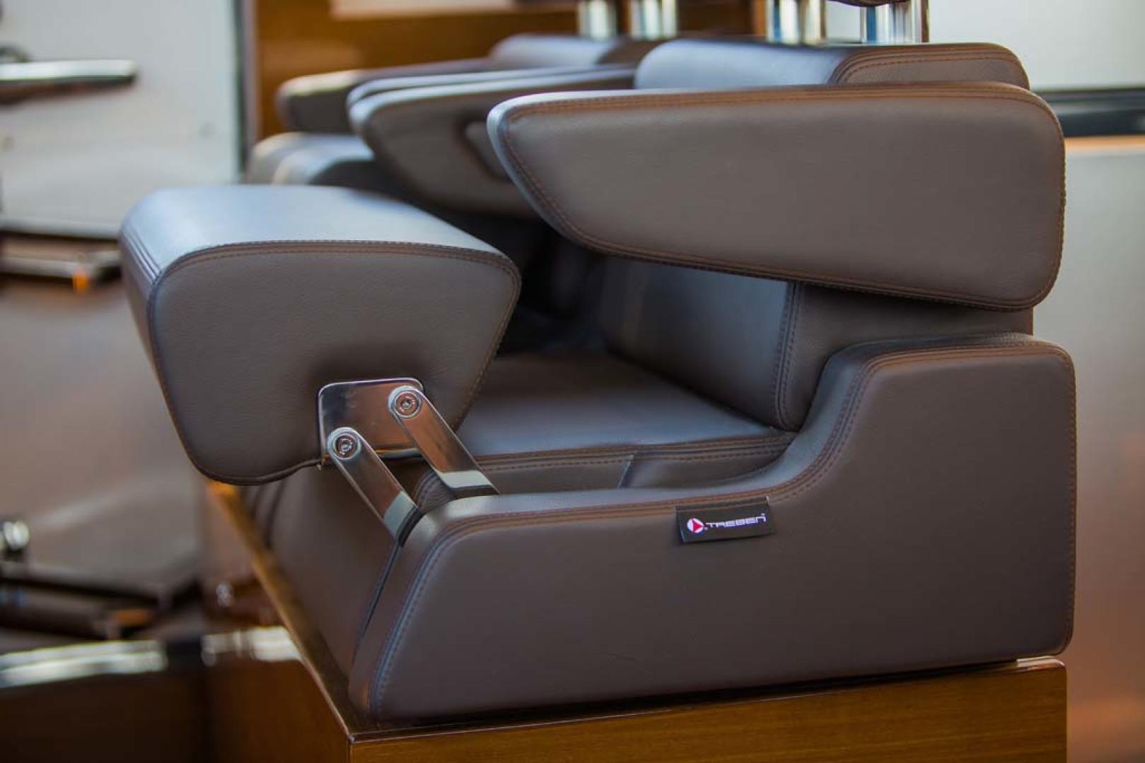 Dyna Yachts-Flybridge 2021 -Florida-United States-Helm Seat-1065888 | Thumbnail