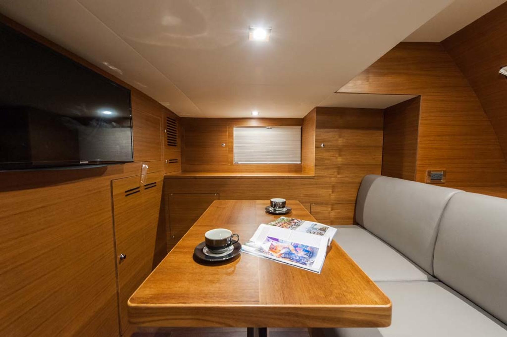 Dyna Yachts-Flybridge 2021 -Florida-United States-Crew Mess-1065905 | Thumbnail