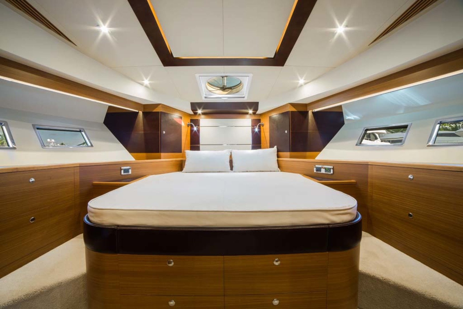 Dyna Yachts-Flybridge 2021 -Florida-United States-VIP Stateroom-1065898 | Thumbnail