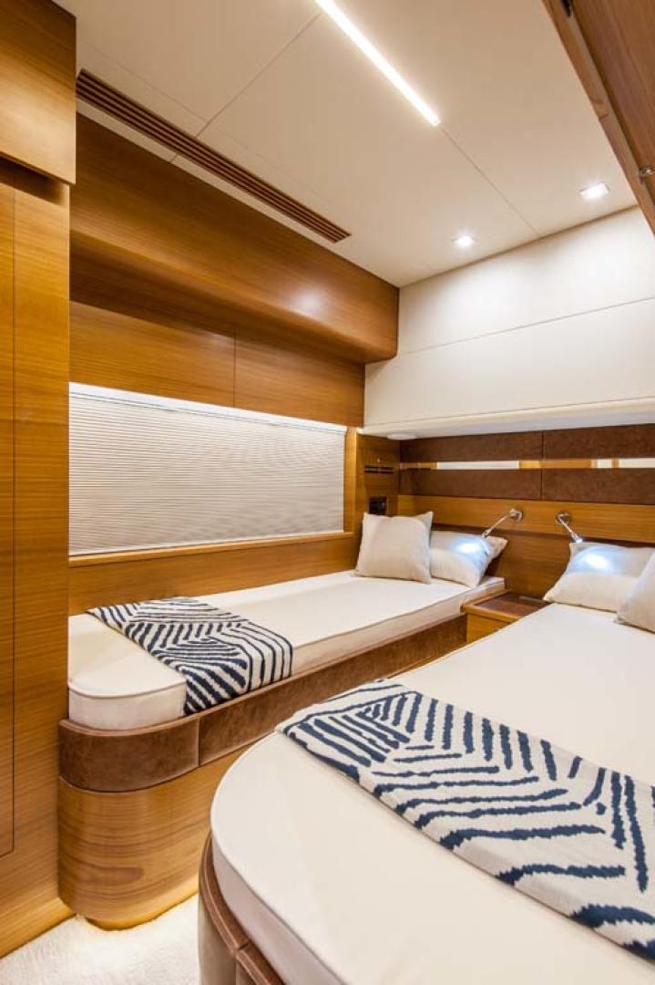 Dyna Yachts-Flybridge 2021 -Florida-United States-Crew Stateroom-1065902 | Thumbnail