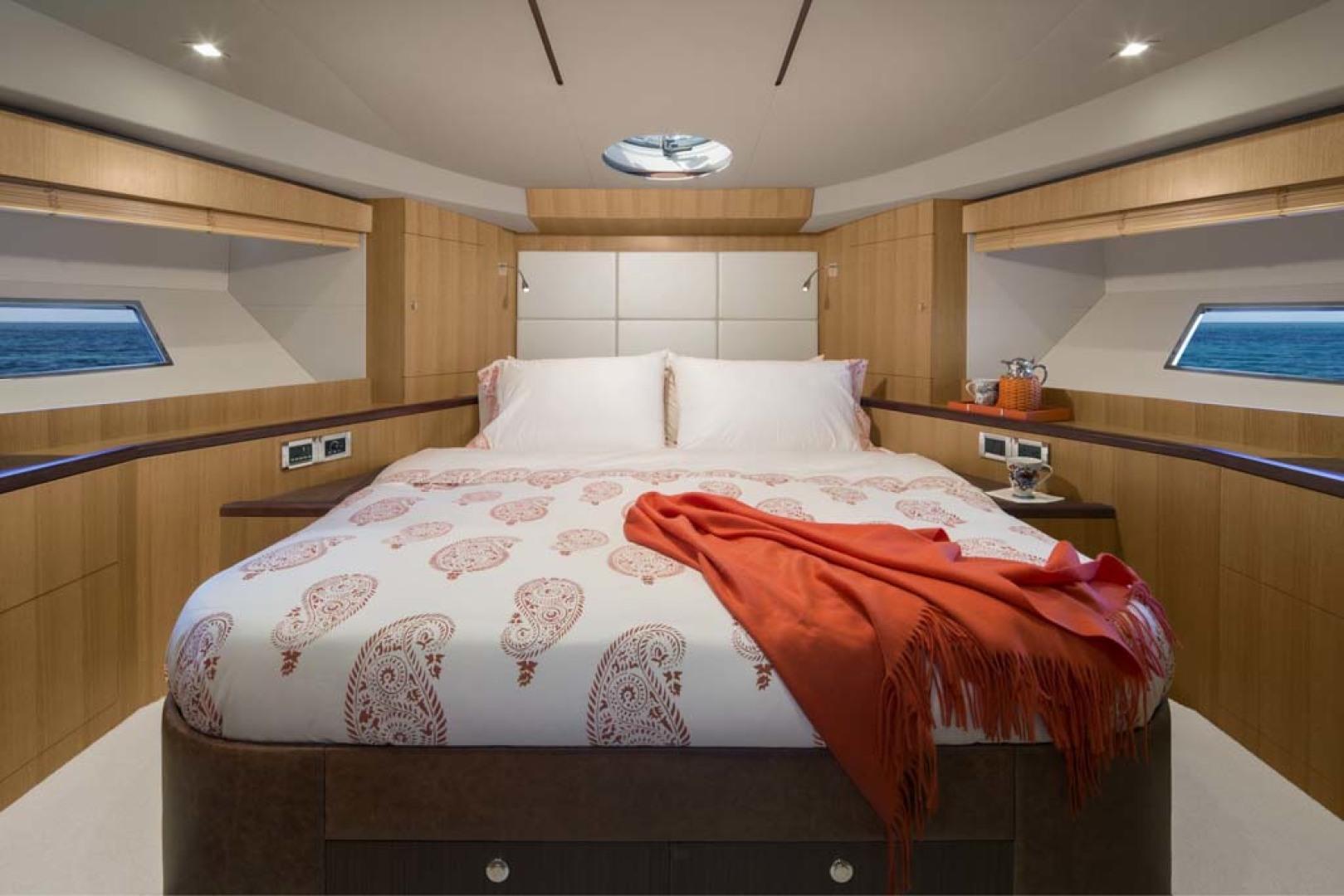 Dyna Yachts-Flybridge 2021 -Florida-United States-VIP Stateroom-1065899 | Thumbnail