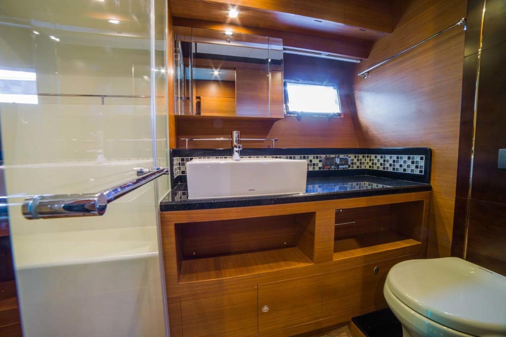 Dyna Yachts-Flybridge 2021 -Florida-United States-Master Stateroom Head-1065895 | Thumbnail