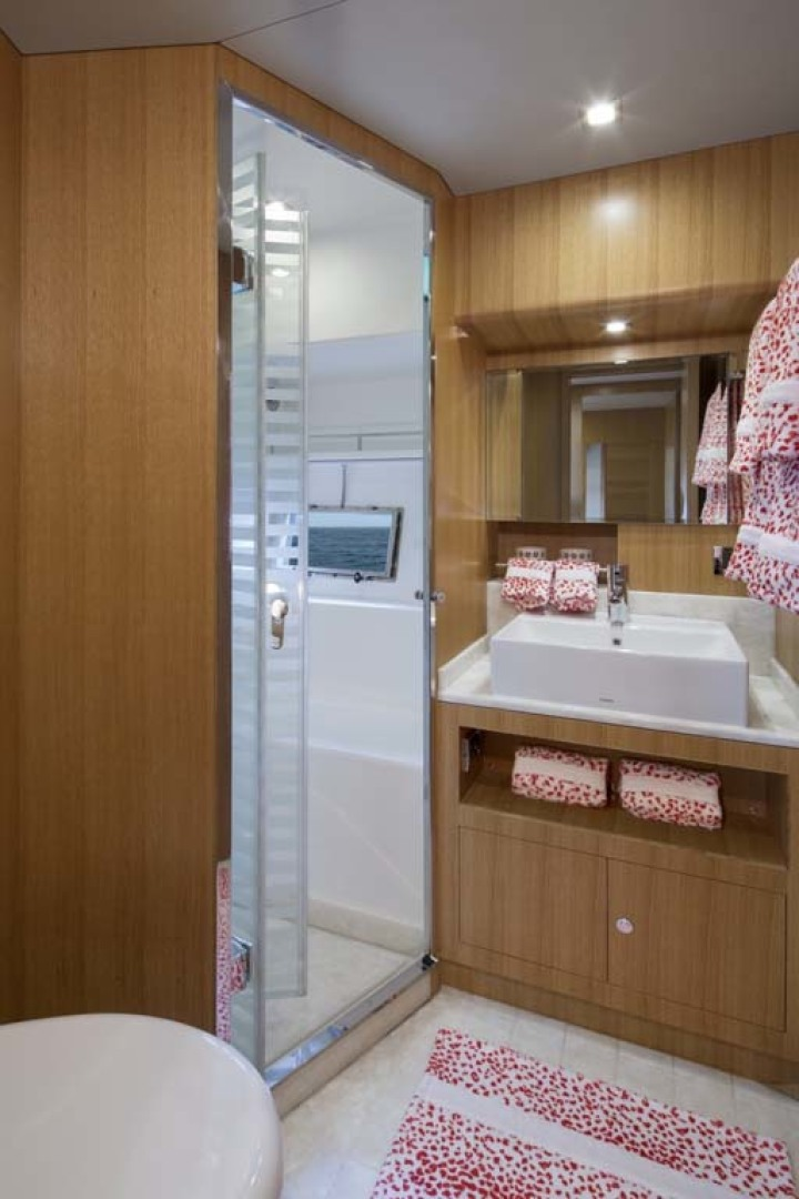 Dyna Yachts-Flybridge 2021 -Florida-United States-Guest Stateroom Head and Shower-1065904 | Thumbnail