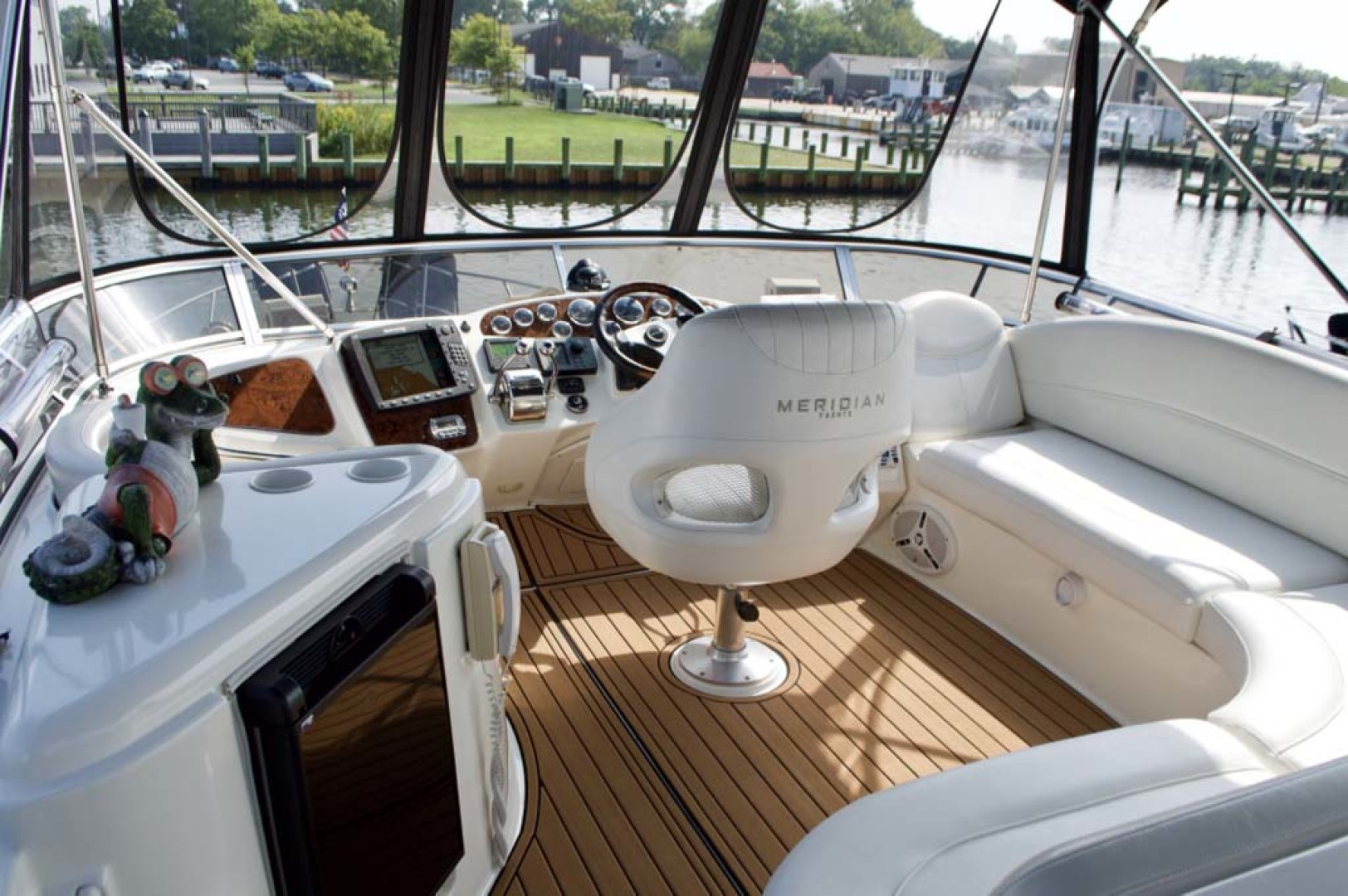 Meridian-459 Motoryacht 2006-Totally Outta Control Long Island-New York-United States-Helm Area-1068658 | Thumbnail
