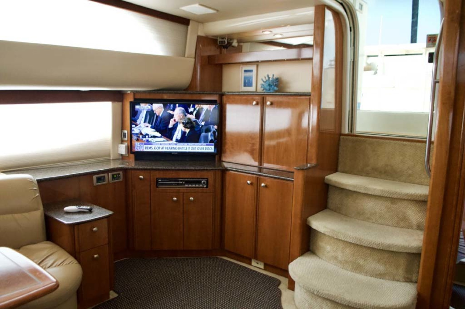 Meridian-459 Motoryacht 2006-Totally Outta Control Long Island-New York-United States-Salon Entertainment-1068667 | Thumbnail