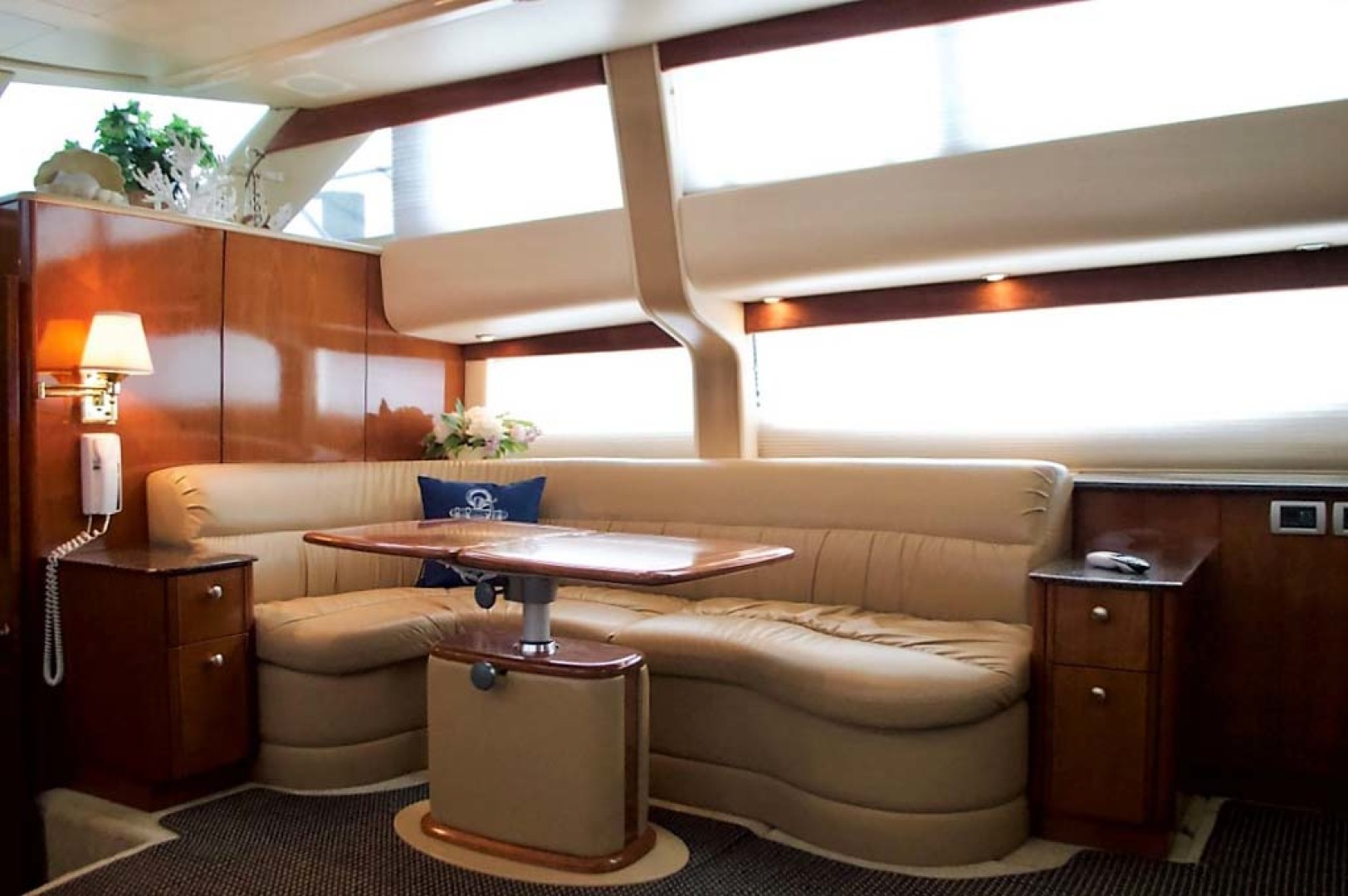 Meridian-459 Motoryacht 2006-Totally Outta Control Long Island-New York-United States-Dinette-1068669 | Thumbnail