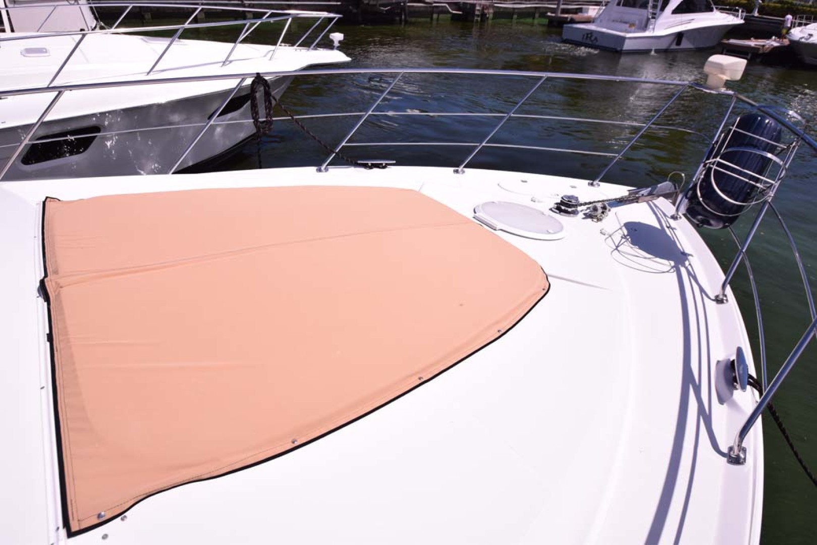 Carver-Voyager 2005-Sawbones Fort Lauderdale-Florida-United States-Foredeck Sunpad-1068993 | Thumbnail