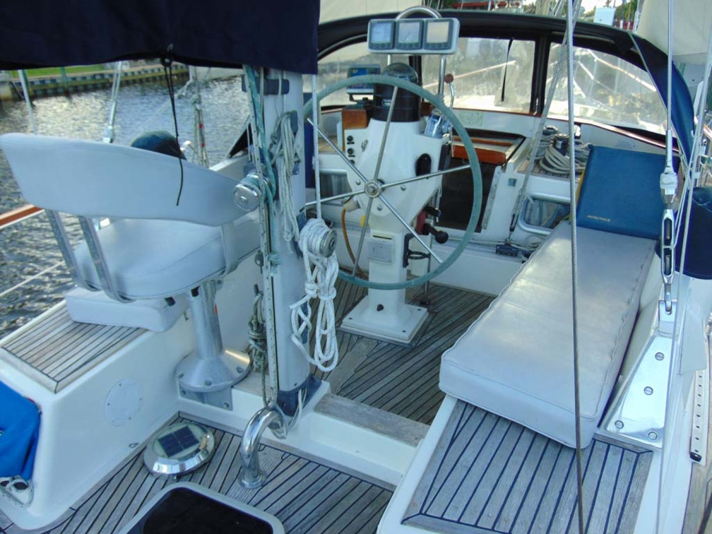Nauticat-40 1985-Aurora Palm City-Florida-United States-Cockpit-1070730 | Thumbnail