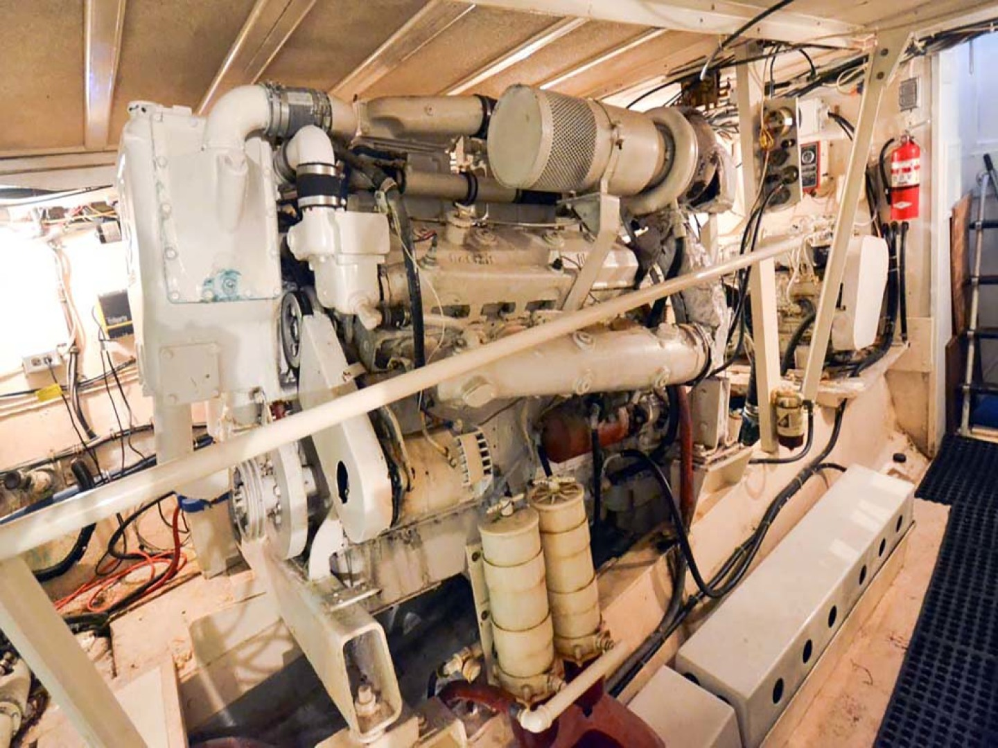 Hatteras-60 Flybridge 1979-Sea Horse Daytona Beach-Florida-United States-Starboard Engine-1070909 | Thumbnail