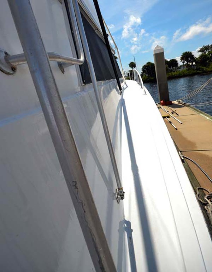 Hatteras-60 Flybridge 1979-Sea Horse Daytona Beach-Florida-United States-Starboard Gunnel-1070353 | Thumbnail