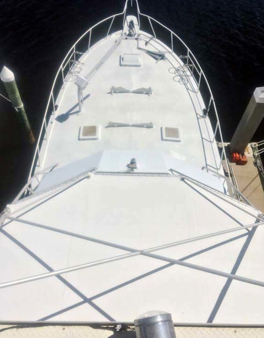 Hatteras-60 Flybridge 1979-Sea Horse Daytona Beach-Florida-United States-Foredeck from Tower-1070911 | Thumbnail