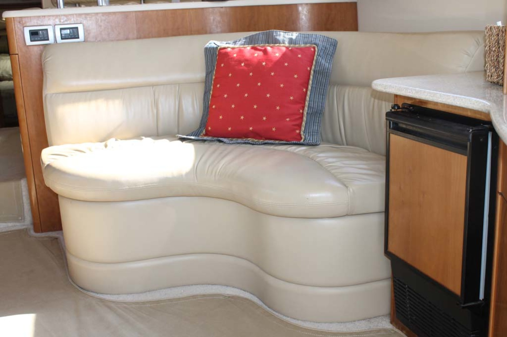 Meridian-Sedan Bridge 2004-Knot Home Avalon-New Jersey-United States-Salon Seating Stbd-1074104 | Thumbnail