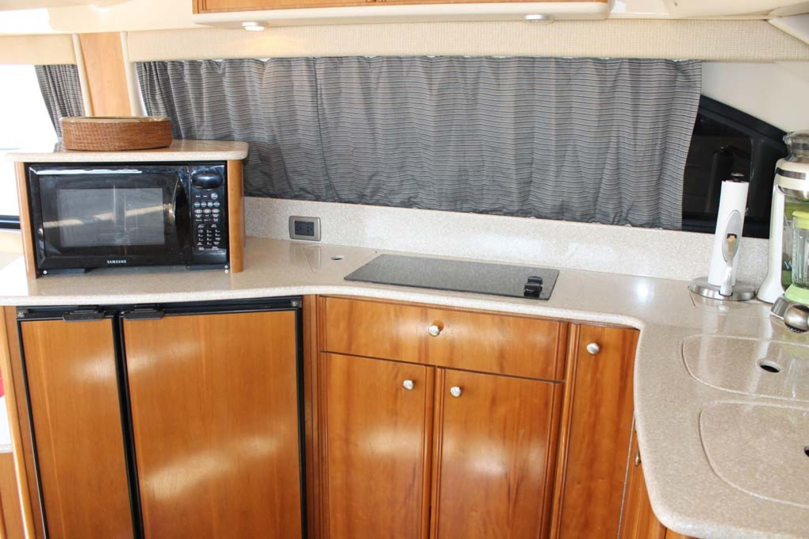 Meridian-Sedan Bridge 2004-Knot Home Avalon-New Jersey-United States-Galley-1074108 | Thumbnail