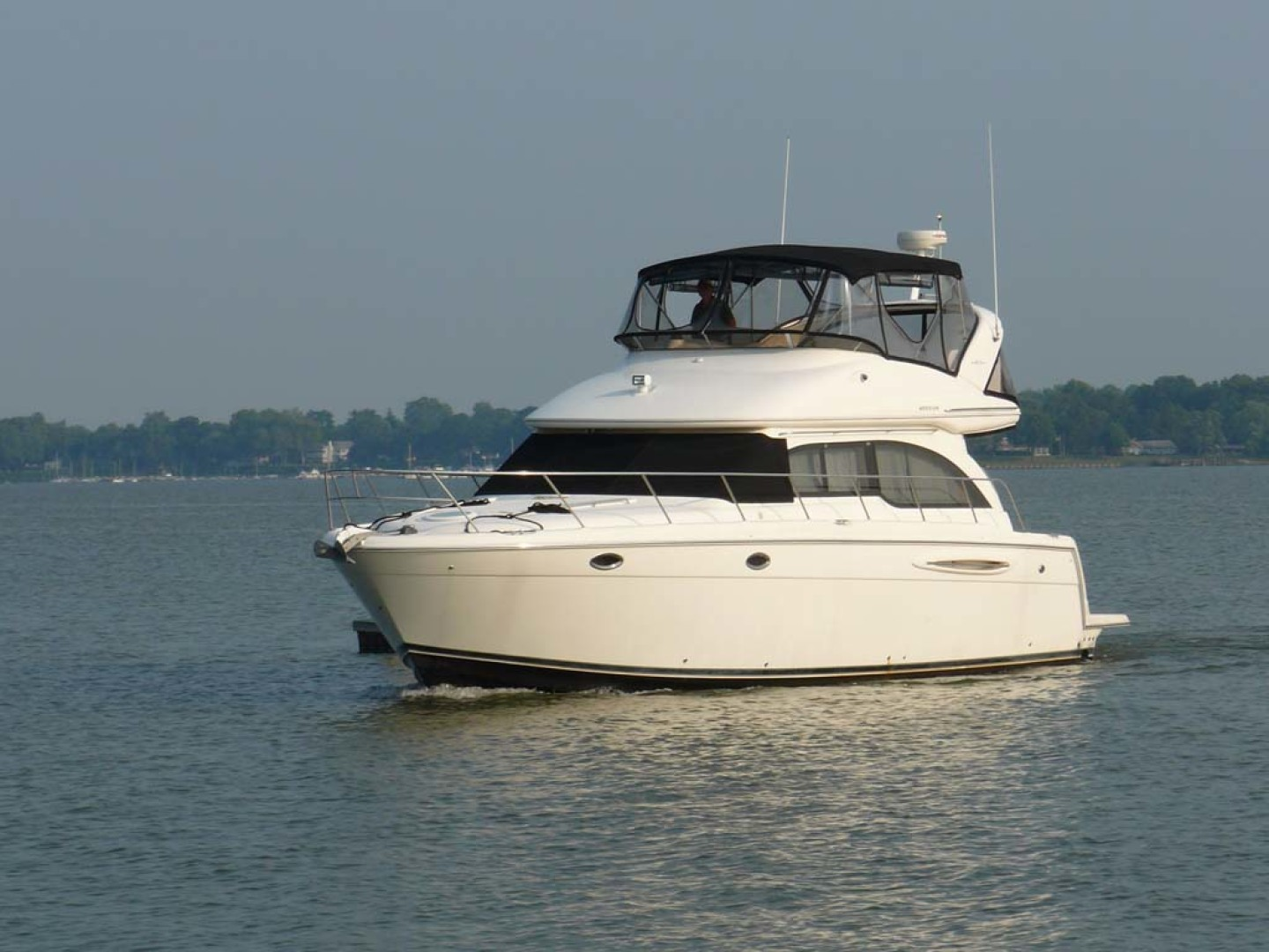 Meridian-Sedan Bridge 2004-Knot Home Avalon-New Jersey-United States-Starboard Bow-1074078 | Thumbnail