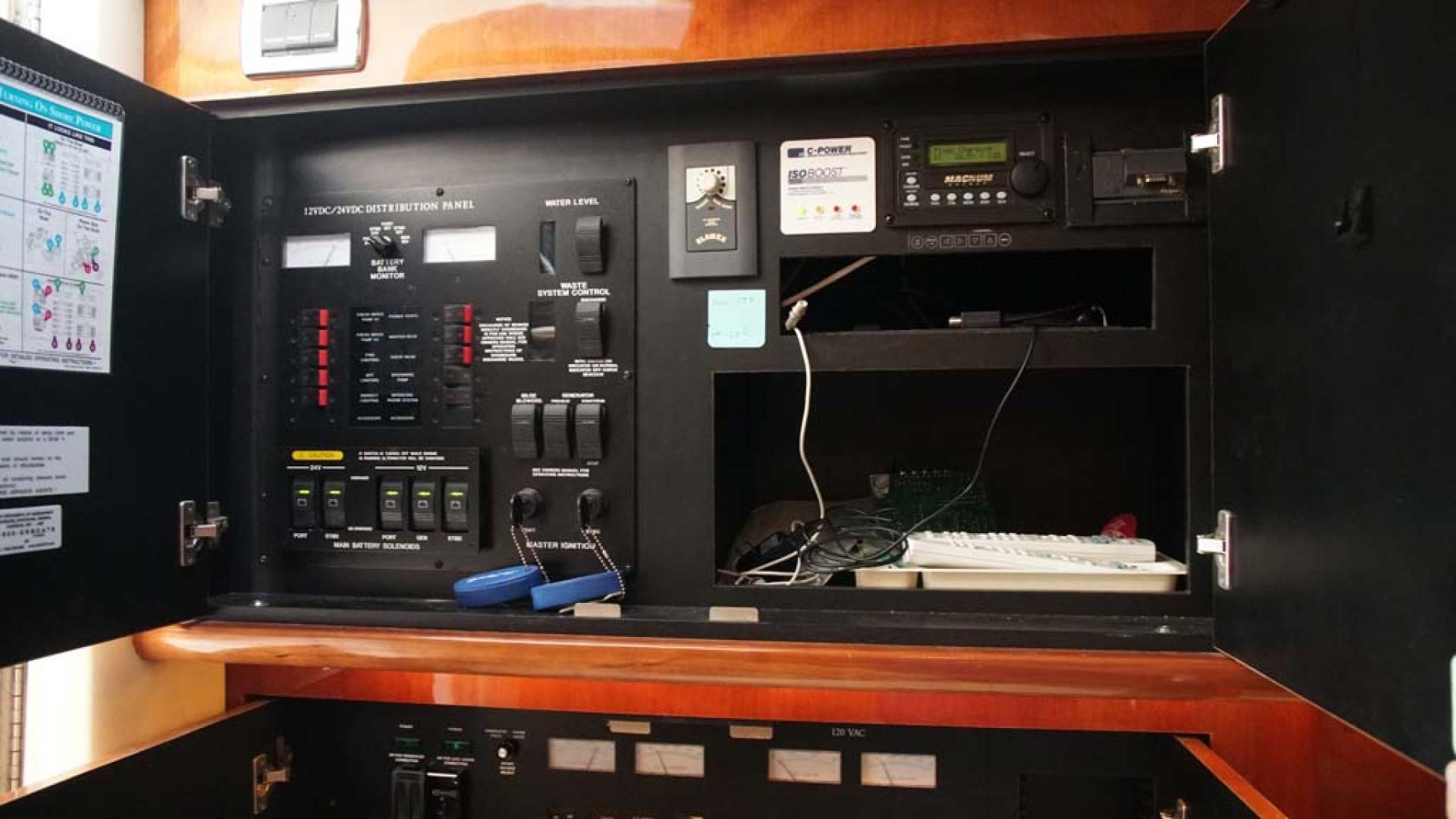 Sea Ray-510 Sundancer 2002-Therapy Orange Beach-Alabama-United States-Electrical Panel-1074376 | Thumbnail