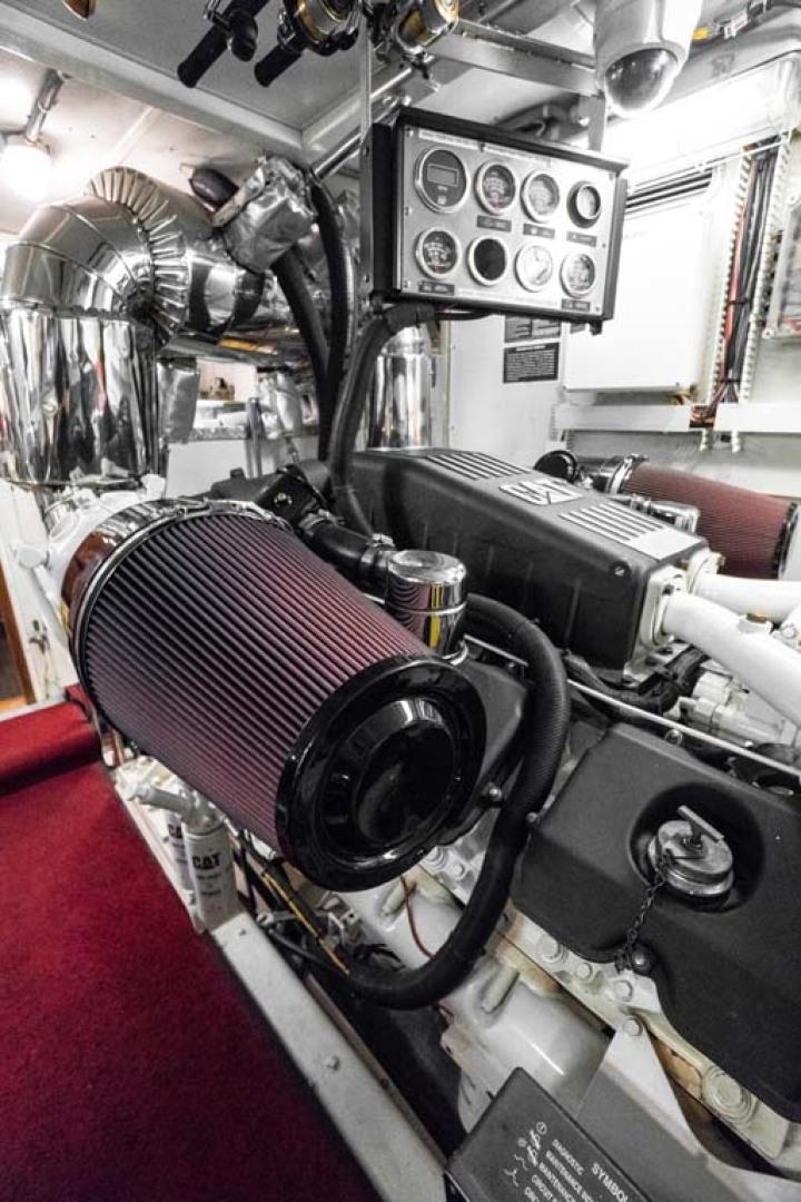 Horizon-Cockpit-Motor-Yacht-2008-Liberation-Stuart-Florida-United-States-Engine-Room-1075382