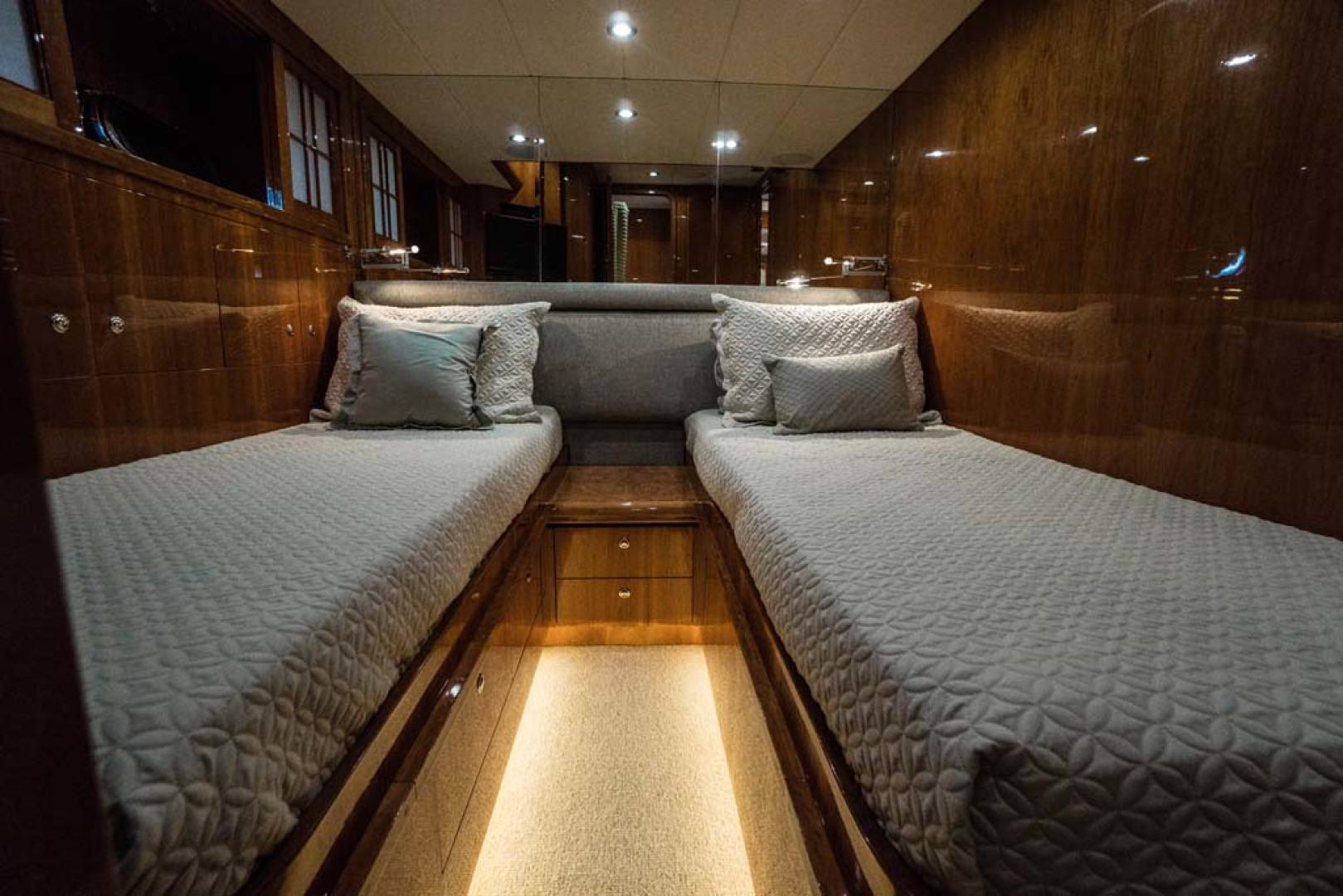Horizon-Cockpit-Motor-Yacht-2008-Liberation-Stuart-Florida-United-States-Guest-Twin-Stateroom-1075363