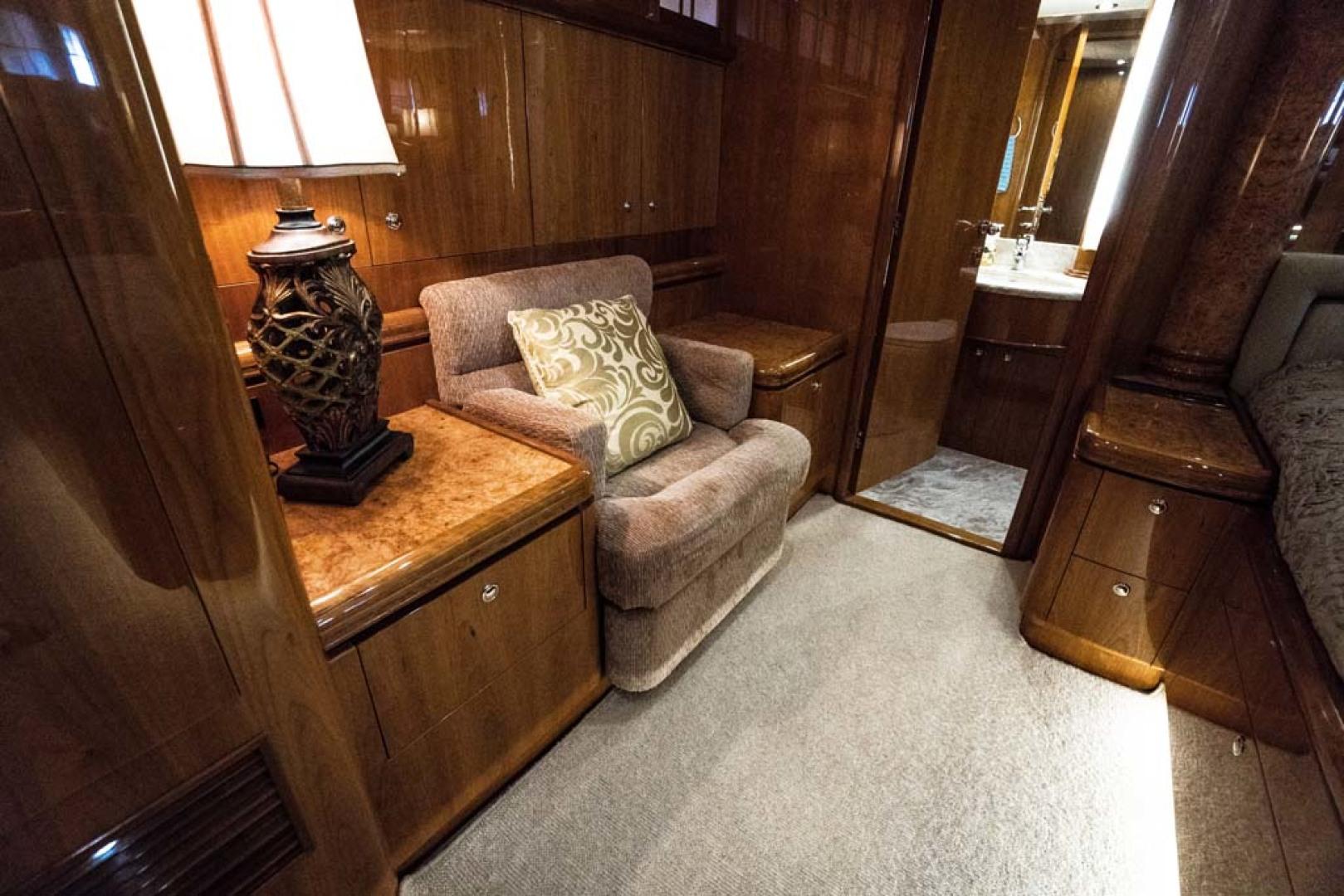 Horizon-Cockpit-Motor-Yacht-2008-Liberation-Stuart-Florida-United-States-Master-Stateroom-1075345