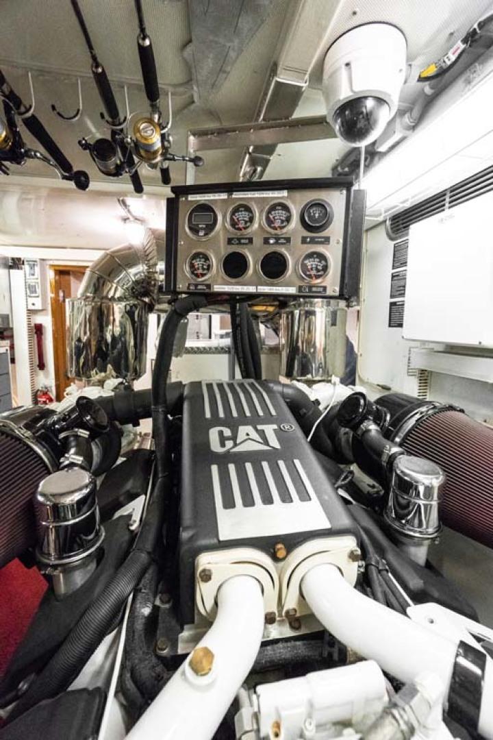 Horizon-Cockpit-Motor-Yacht-2008-Liberation-Stuart-Florida-United-States-Engine-Room-1075381