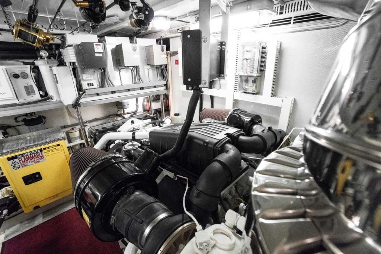 Horizon-Cockpit-Motor-Yacht-2008-Liberation-Stuart-Florida-United-States-Engine-Room-1075377
