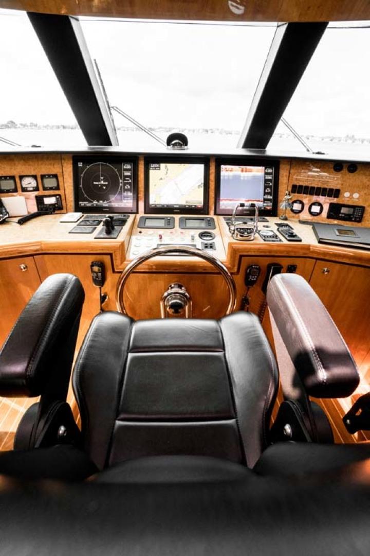 Horizon-Cockpit-Motor-Yacht-2008-Liberation-Stuart-Florida-United-States-Pilothouse-Helm-1075338