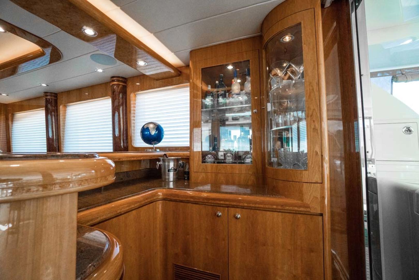 Horizon-Cockpit-Motor-Yacht-2008-Liberation-Stuart-Florida-United-States-Salon-Bar-1075317