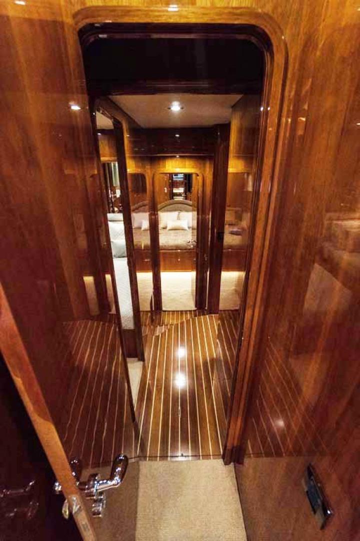 Horizon-Cockpit-Motor-Yacht-2008-Liberation-Stuart-Florida-United-States-Hallway-1075361