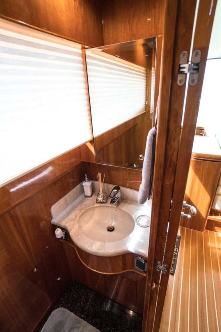 Horizon-Cockpit-Motor-Yacht-2008-Liberation-Stuart-Florida-United-States-Day-Head-1075324