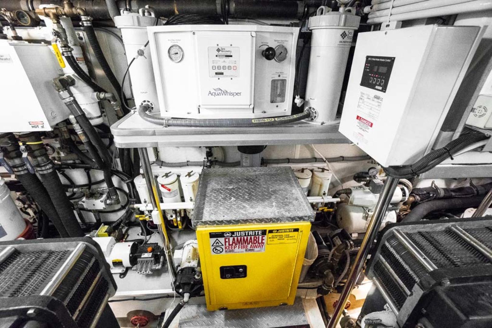 Horizon-Cockpit-Motor-Yacht-2008-Liberation-Stuart-Florida-United-States-Engine-Room-1075384