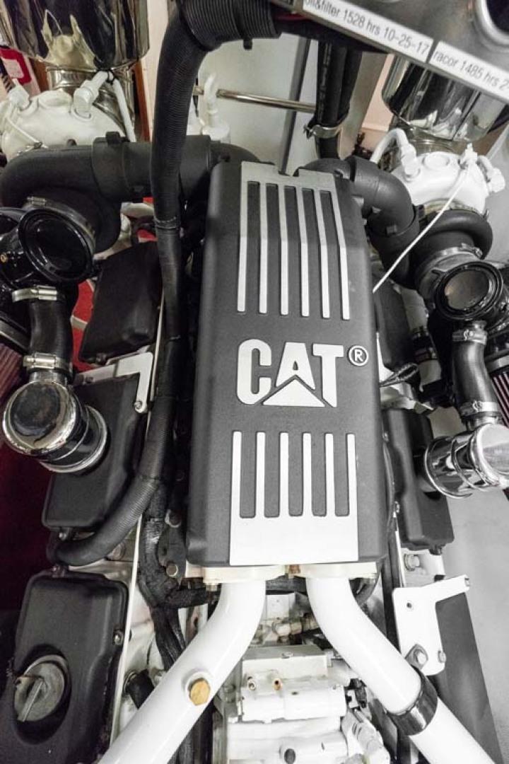 Horizon-Cockpit-Motor-Yacht-2008-Liberation-Stuart-Florida-United-States-Engine-Room-1075383