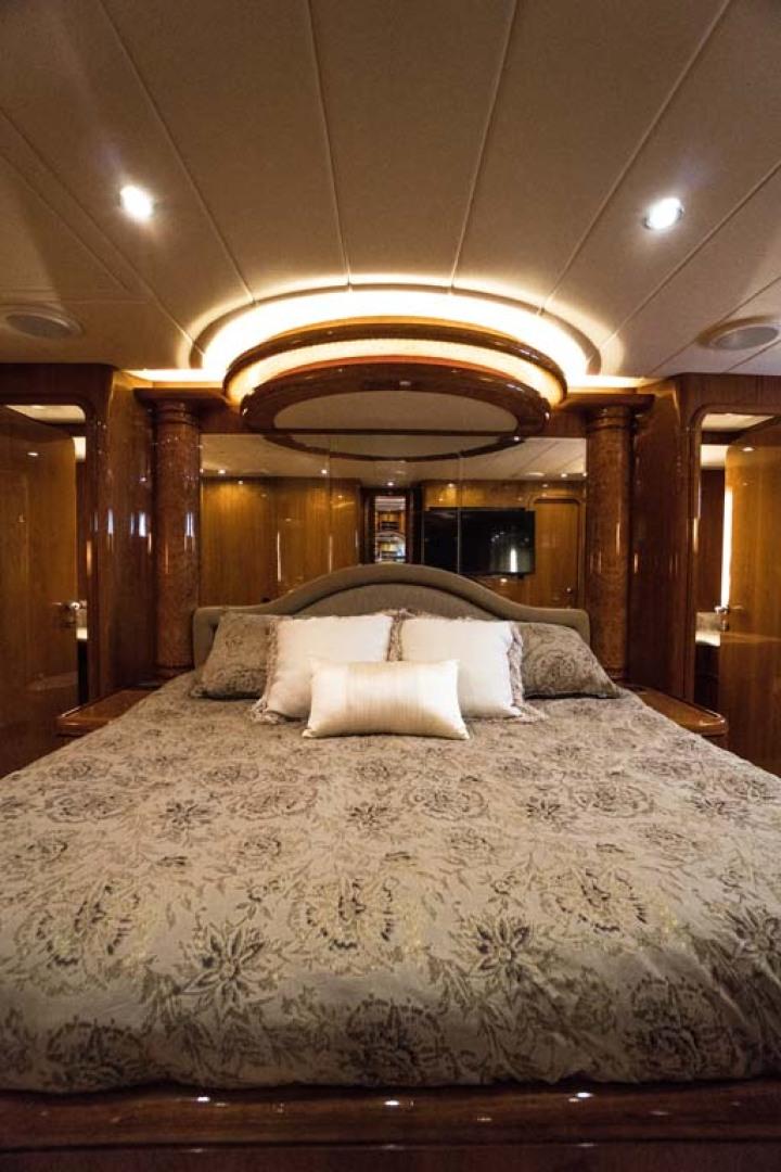 Horizon-Cockpit-Motor-Yacht-2008-Liberation-Stuart-Florida-United-States-Master-Stateroom-1075344