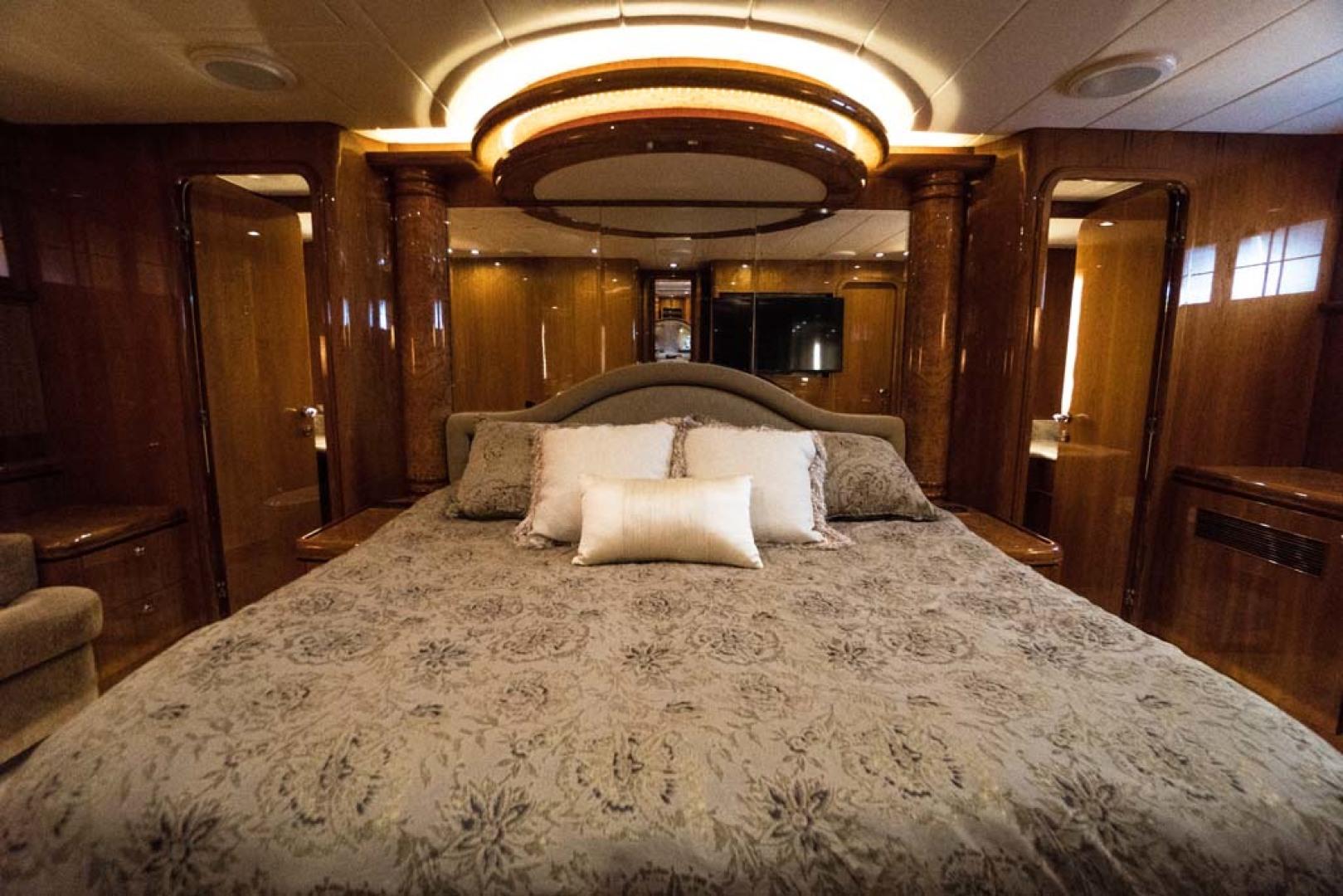 Horizon-Cockpit-Motor-Yacht-2008-Liberation-Stuart-Florida-United-States-Master-Stateroom-1075343