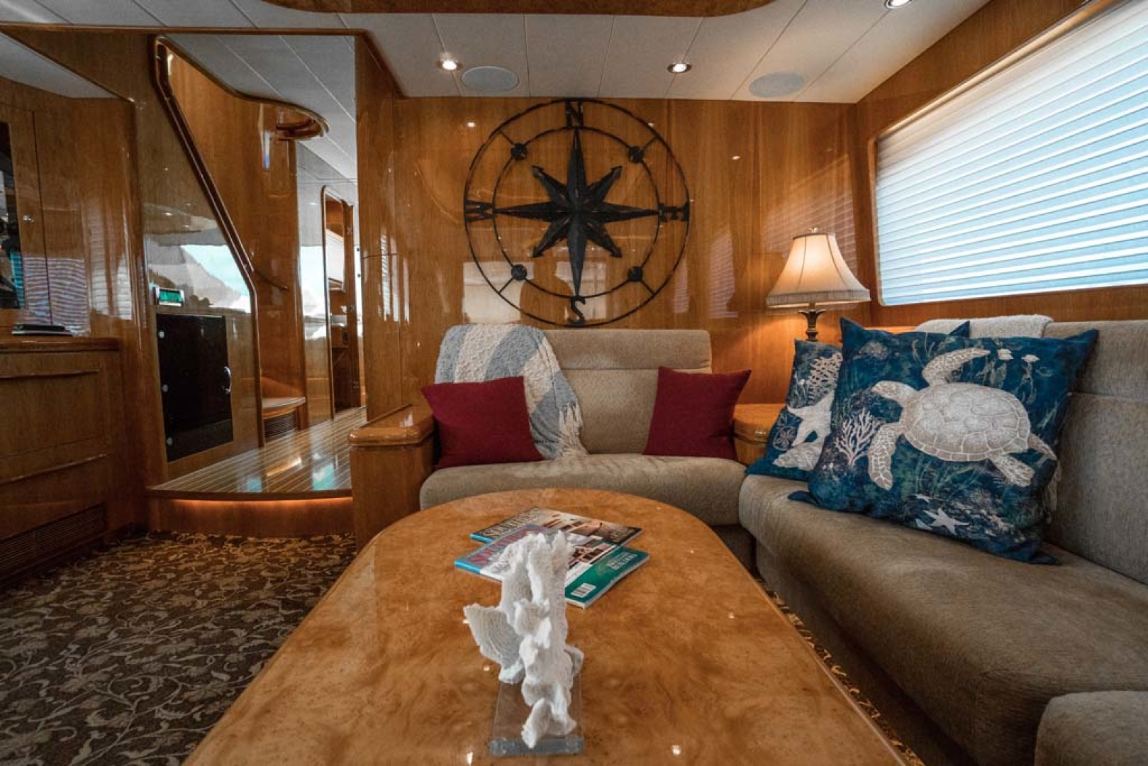 Horizon-Cockpit-Motor-Yacht-2008-Liberation-Stuart-Florida-United-States-Salon-Seating-1075318