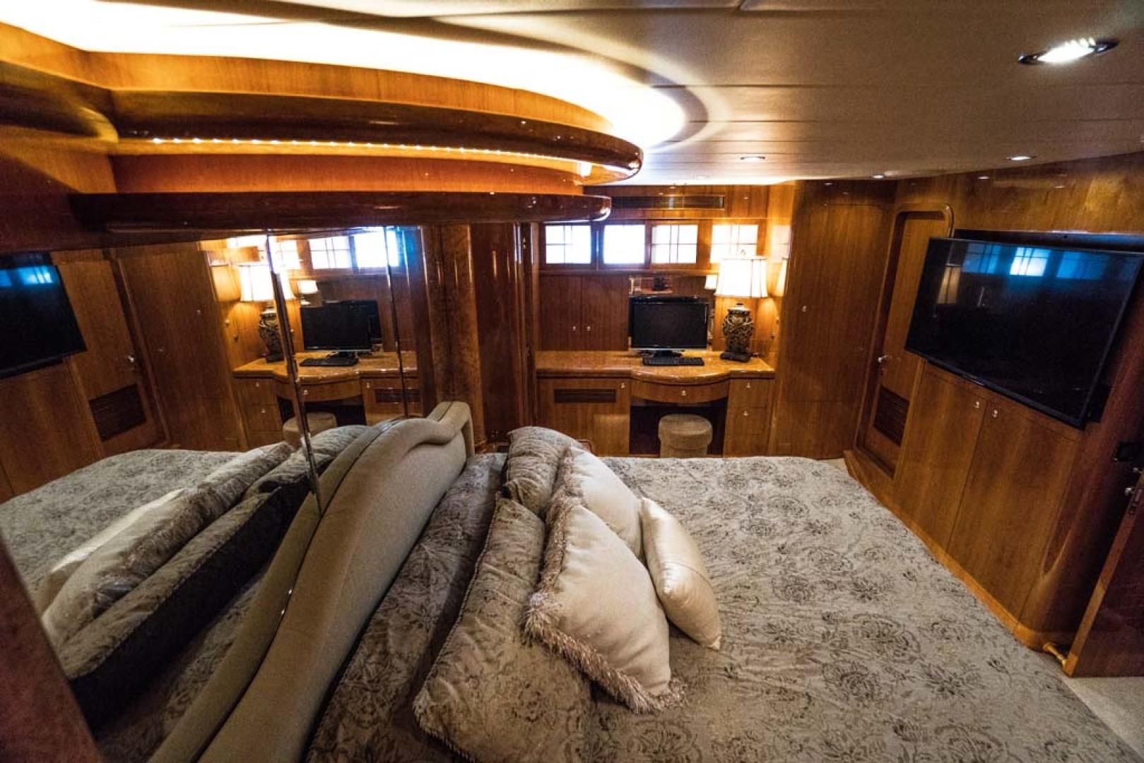 Horizon-Cockpit-Motor-Yacht-2008-Liberation-Stuart-Florida-United-States-Master-Stateroom-1075348