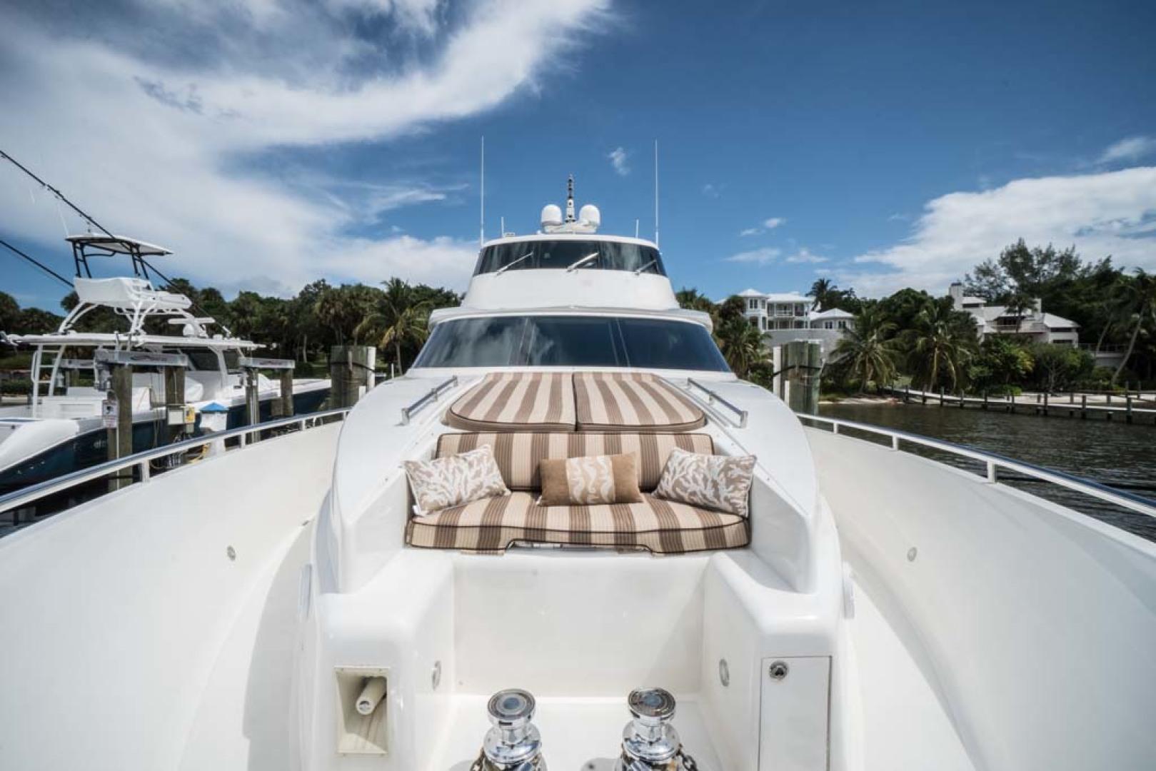 Horizon-Cockpit-Motor-Yacht-2008-Liberation-Stuart-Florida-United-States-Foredeck-Seating-1075370
