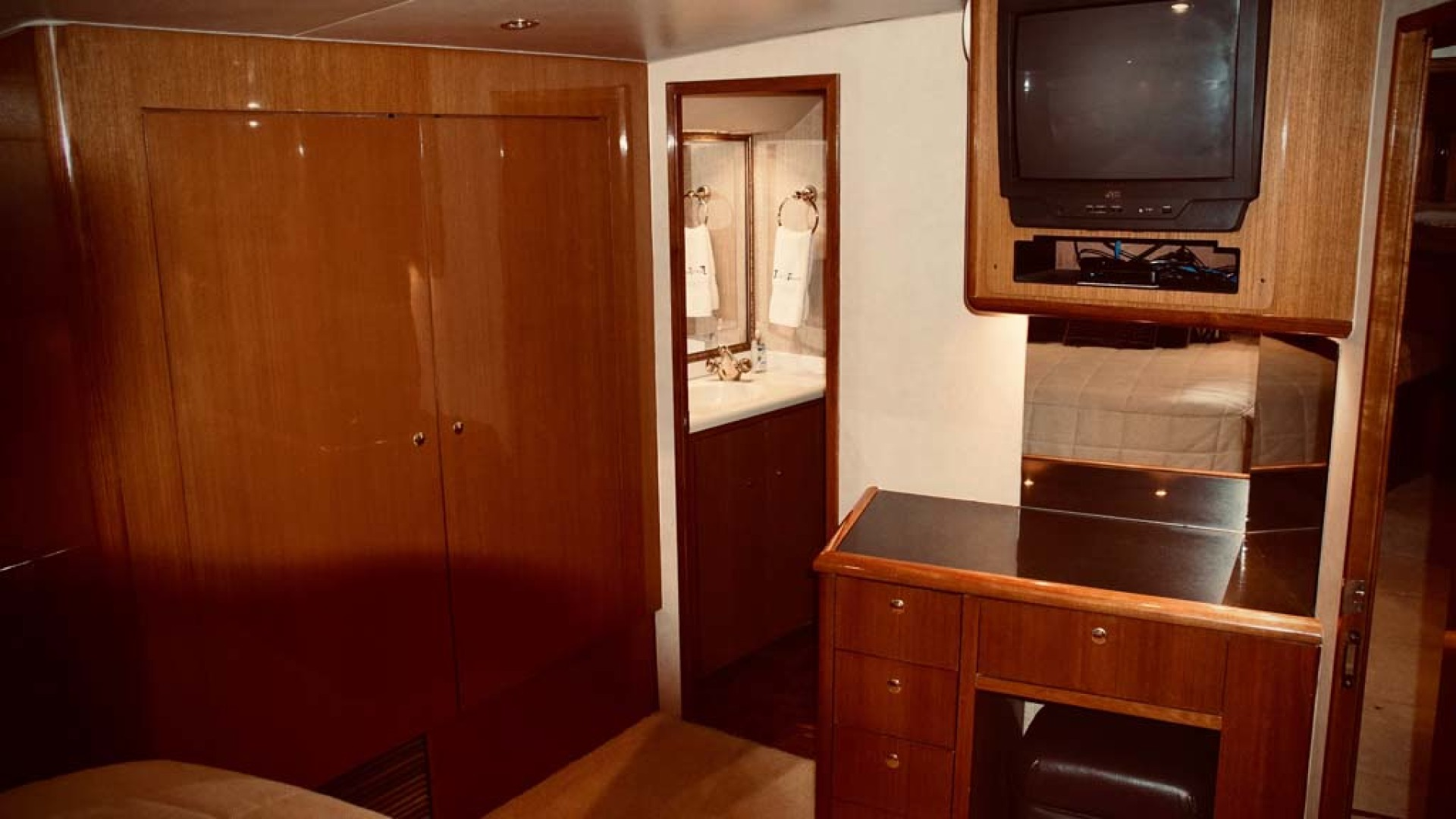 Viking-65 Enclosed Bridge Convertible 2001-TalkN Trash Orange Beach-Alabama-United States-Master Stateroom-1075863 | Thumbnail