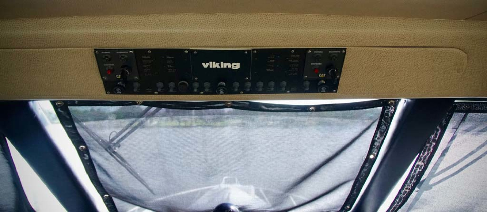 Viking-65 Enclosed Bridge Convertible 2001-TalkN Trash Orange Beach-Alabama-United States-Helm-1075828 | Thumbnail