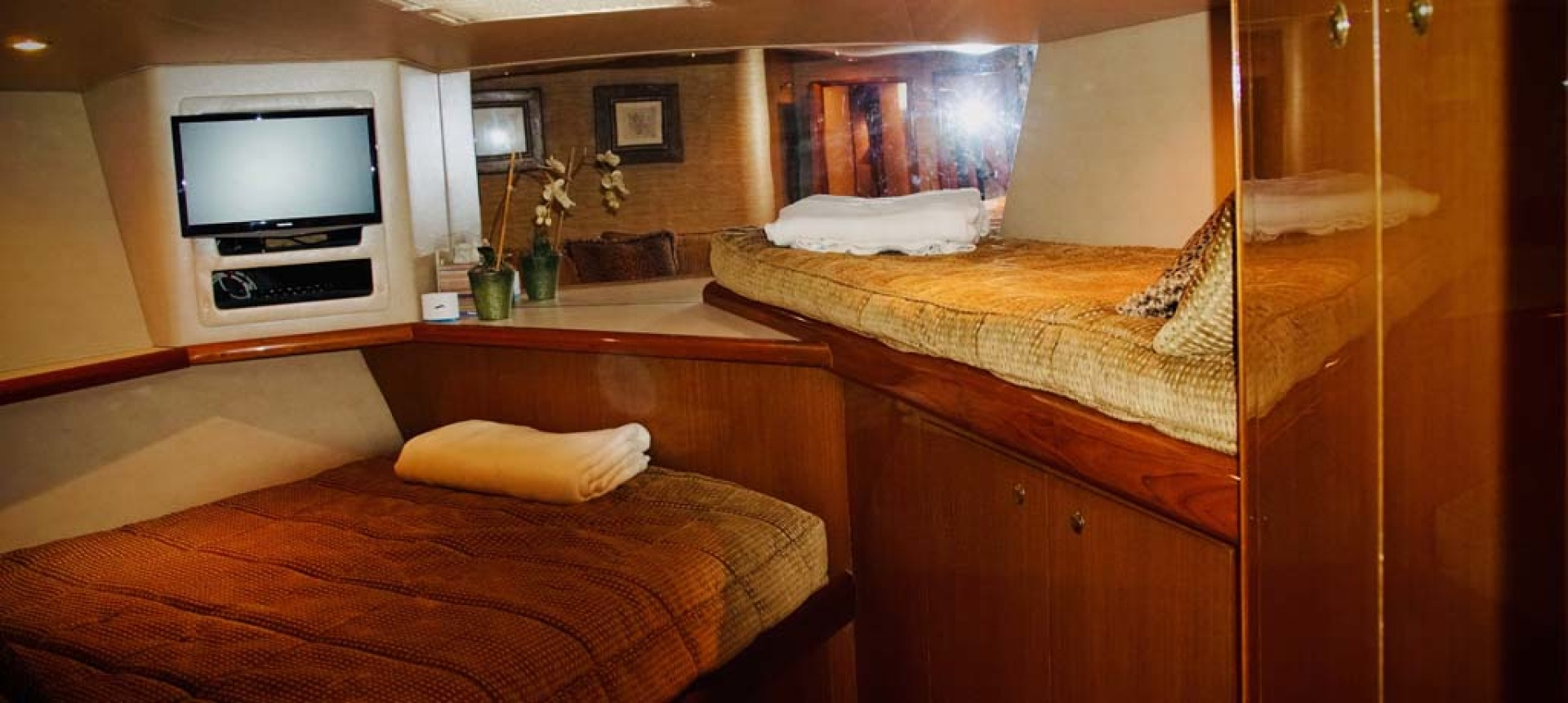Viking-65 Enclosed Bridge Convertible 2001-TalkN Trash Orange Beach-Alabama-United States-VIP Stateroom-1075869 | Thumbnail