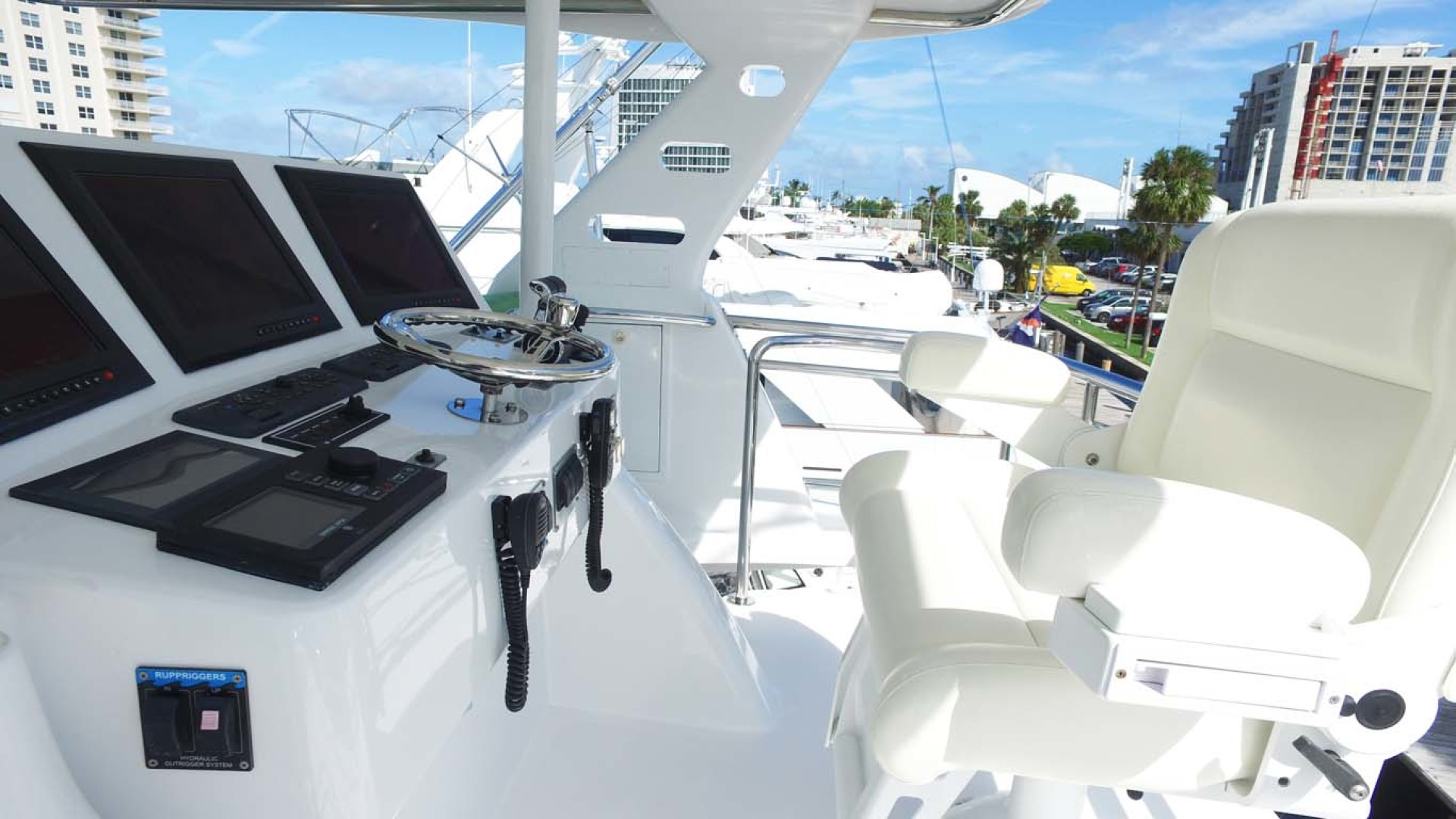 Sea-Force-IX-Sport-Fisherman-2010-Silky-Palm-Beach-Florida-United-States-Flybridge-Helm-1078927