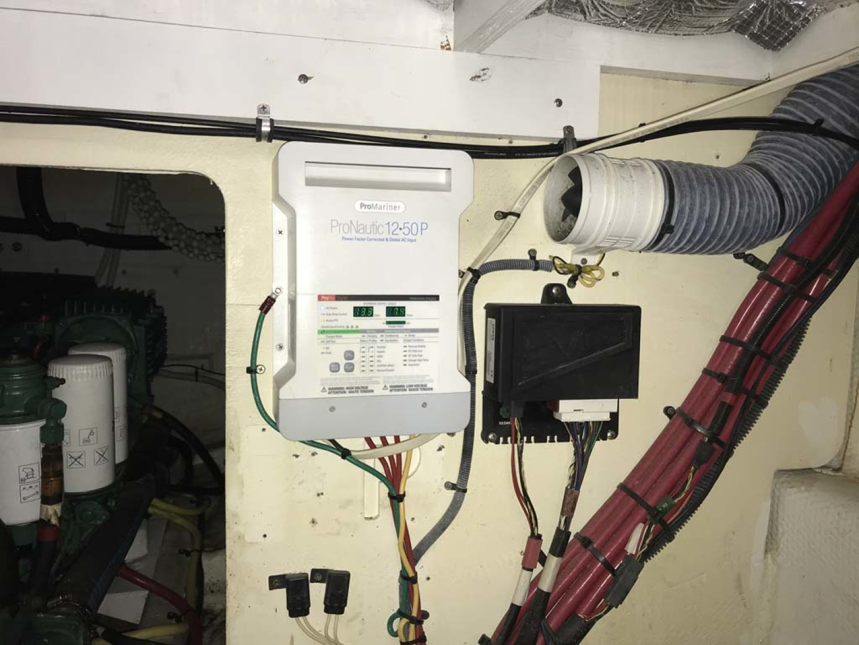 Silverton-Sport Bridge 2006-Mailbox Money Orange Beach-Alabama-United States-ProMariner Digital Charging System-1081132 | Thumbnail
