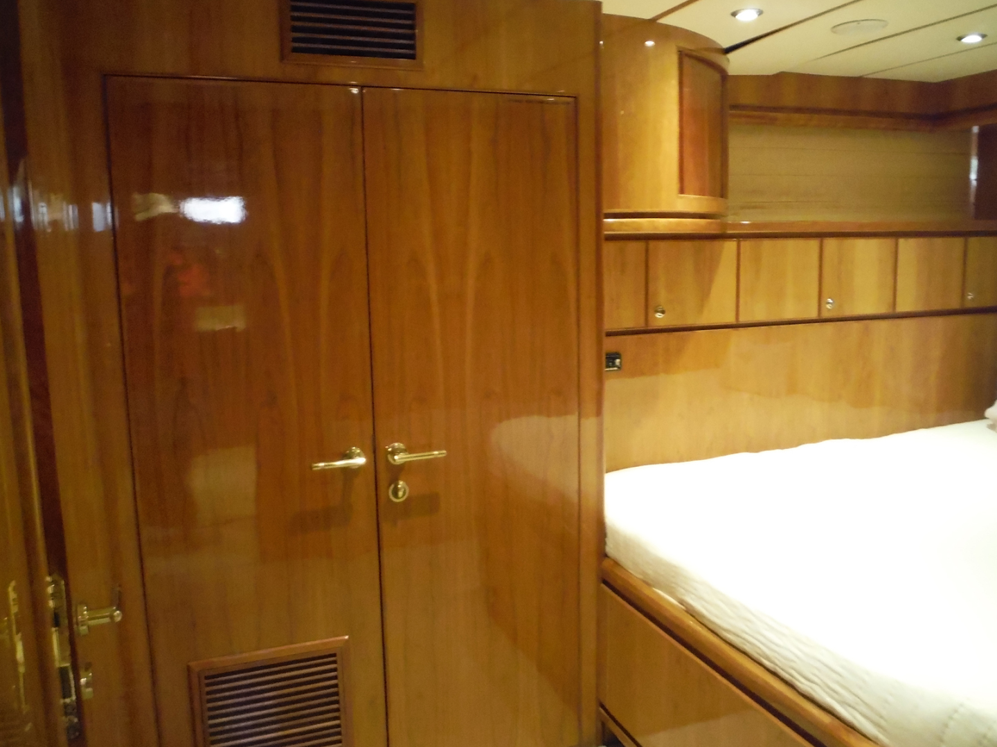 Hargrave-Flybridge Motor Yacht 2001-GRACE Fort Lauderdale-Florida-United States-Cabin Looking Aft-1091956 | Thumbnail