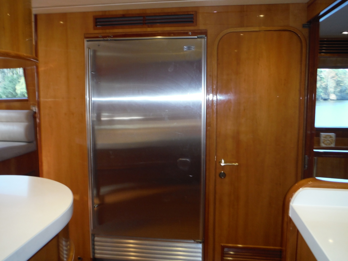 Hargrave-Flybridge Motor Yacht 2001-GRACE Fort Lauderdale-Florida-United States-Starboard Side Refrigerator-1091927 | Thumbnail