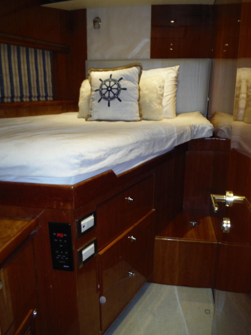 Hargrave-Flybridge Motor Yacht 2001-GRACE Fort Lauderdale-Florida-United States-Port Double Cabin-1091943 | Thumbnail