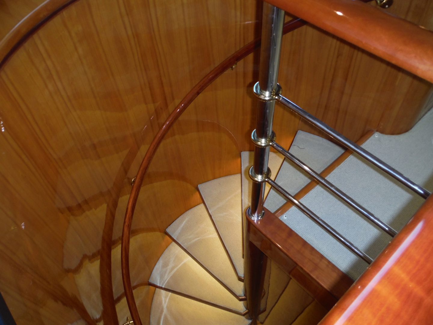 Hargrave-Flybridge Motor Yacht 2001-GRACE Fort Lauderdale-Florida-United States-Salon Steps to Below-1091923 | Thumbnail