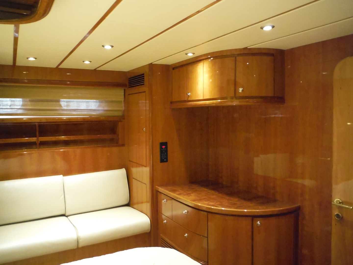 Hargrave-Flybridge Motor Yacht 2001-GRACE Fort Lauderdale-Florida-United States-Master Cabin Looking to Port-1091951 | Thumbnail